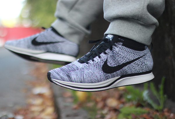 Nike Flyknit Racer Oreo Cookies & Cream pas cher (1)