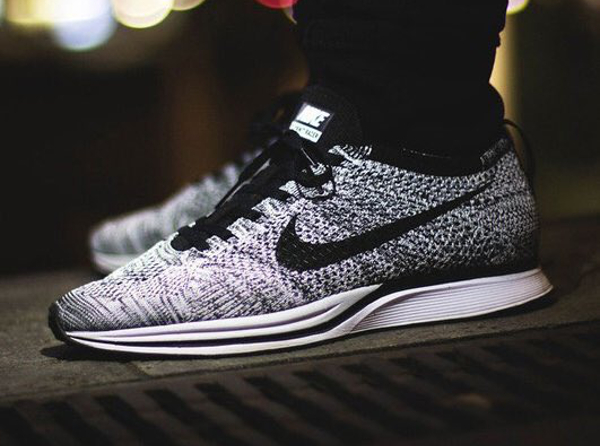 Nike Flyknit Racer Oreo Cookies & Cream pas cher (2)