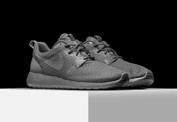 Nike Roshe One Hyperfuse 'Monochrome'
