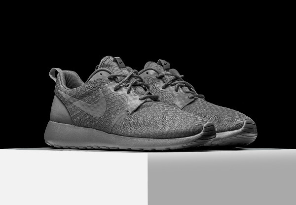 new product 70a35 a2814 Où acheter les Nike Roshe Run Hyperfuse Monochrome ?