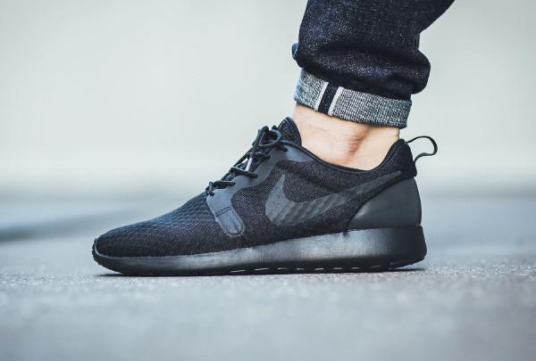 Nike Roshe One Hyperfuse noire Black pas cher (1)