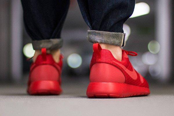 Nike Roshe Run Hyperfuse Triple Red pas cher (3)
