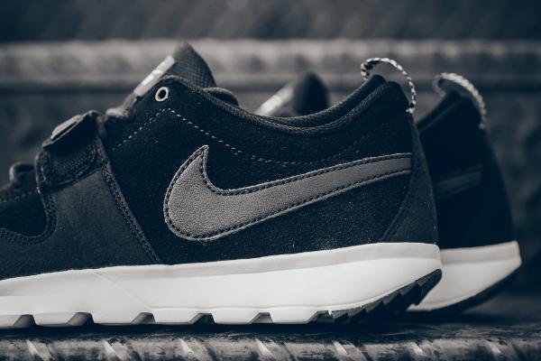 online retailer 86ea0 32253 Nike SB Trainerendor Leather noire et blanche pour homme (2)