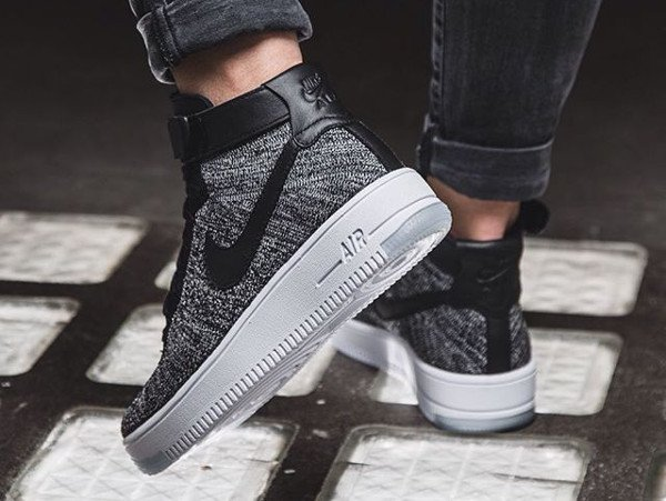 Nike Wmns Air Force 1 Ultra Flyknit Black White pas cher (femme) (2)