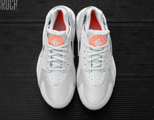 Nike Wmns Air Huarache TXT Light Bone (4)