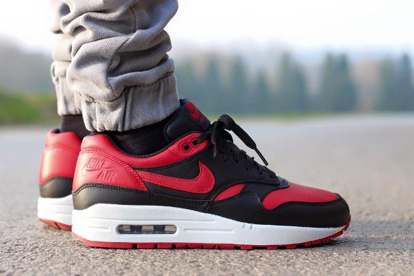 (2015) Nike Air Max 1 Valentine s Day - @mykeperso