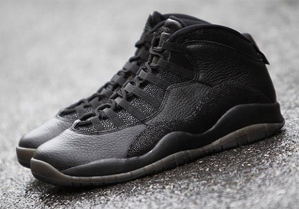 Air Jordan 10 Retro OVO Black Metallic Gold (1)