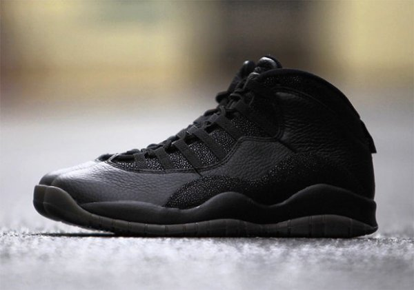 Air Jordan 10 Retro OVO Black Metallic Gold (2)