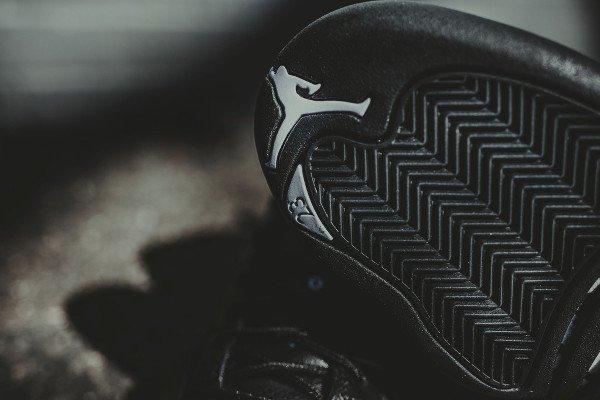 Air Jordan 12 Retro Black Metallic Gold (5)