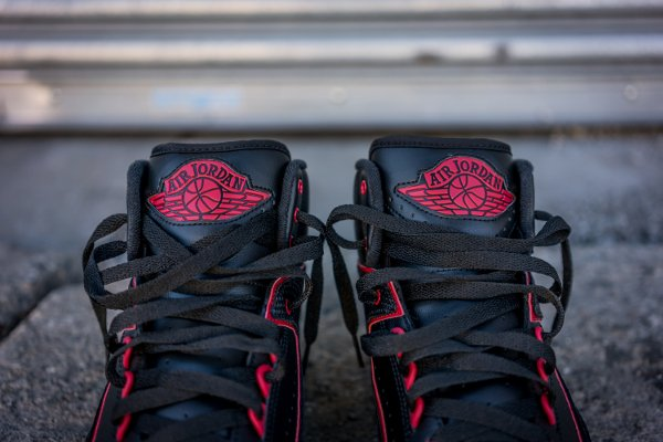 Air Jordan 2 Retro Black Gym Red (4)