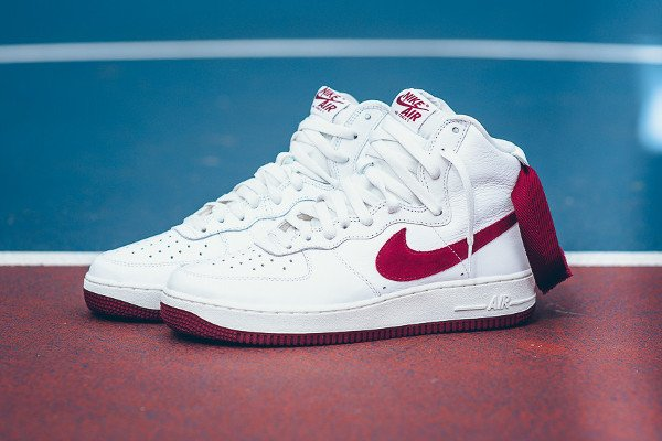 Nike Air Force 1 Hi Retro QS Summit White Team Red (1)