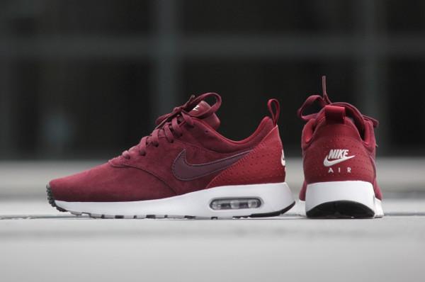 La Nike Air Max Tavas Leather Bordeaux : un bon cru