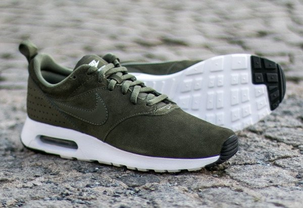 Nike Air Max Tavas Leather Medium Olive (5)