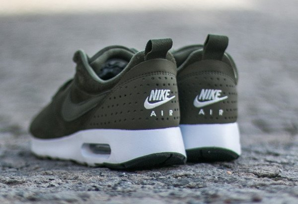 Nike Air Max Tavas Leather Medium Olive (6)