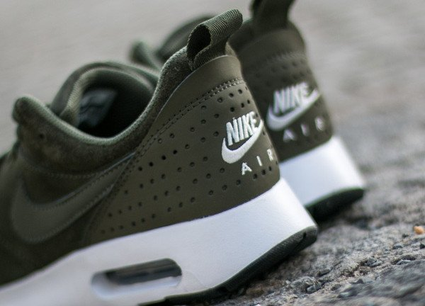 Nike Air Max Tavas Leather Medium Olive (7)