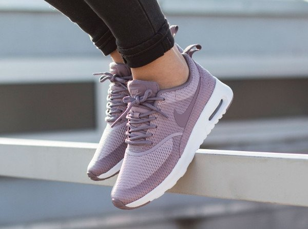 nike air max thea les derni res infos sneakers. Black Bedroom Furniture Sets. Home Design Ideas