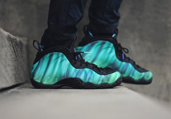 Nike Foamposite One Northern Lights pas cher (2)