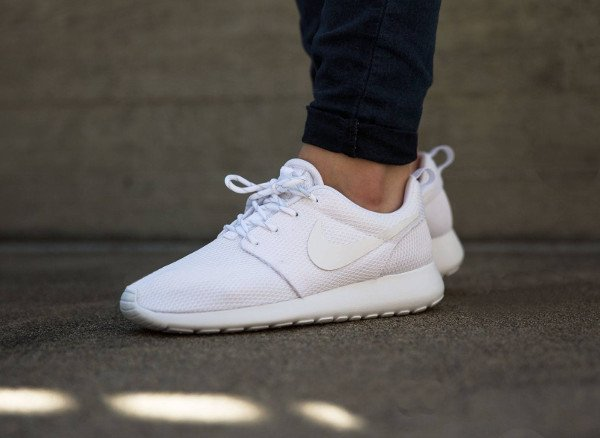sneakers nike femme blanche