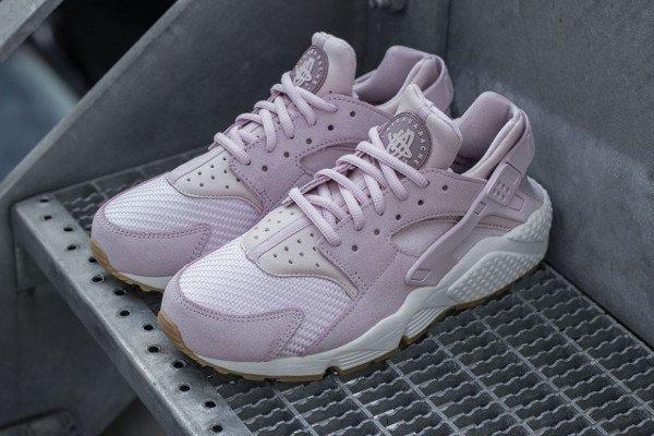 Où acheter la Nike Air Huarache TXT Bleached Lilac ?