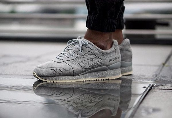asics blanche grise