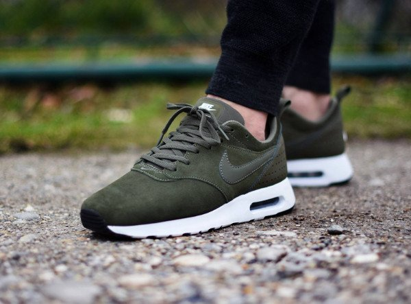 acheter Nike Air Max Tavas Leather Medium Olive pas cher (4)
