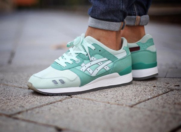 10-Highs and Lows x Asics Gel Lyte 3 Silverscreen (@aitormint)