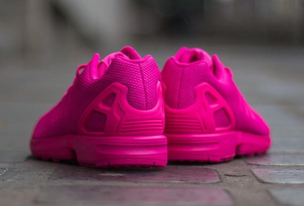 pas cher pour réduction c46b4 0a0b9 Gros plan sur la Adidas ZX Flux 'Triple Shock Pink' (rose)