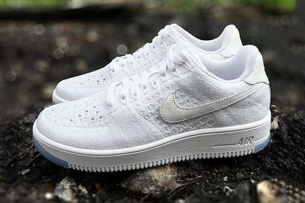 Nike Air Force 1 Flyknit basse White Ice (1)