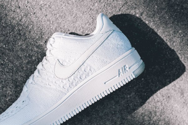 Nike Air Force 1 Flyknit basse White Ice (4)