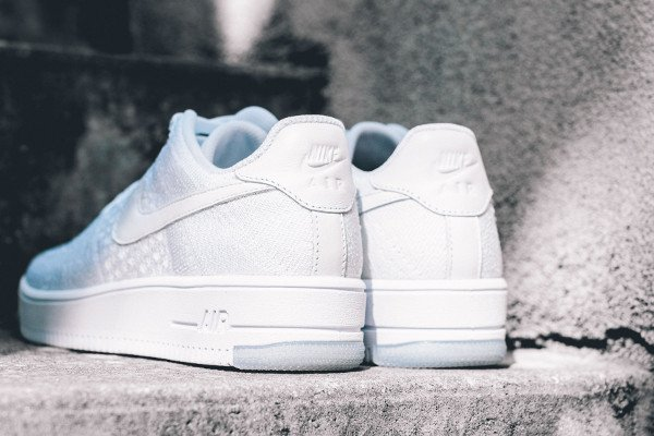 Nike Air Force 1 Flyknit basse White Ice (5)