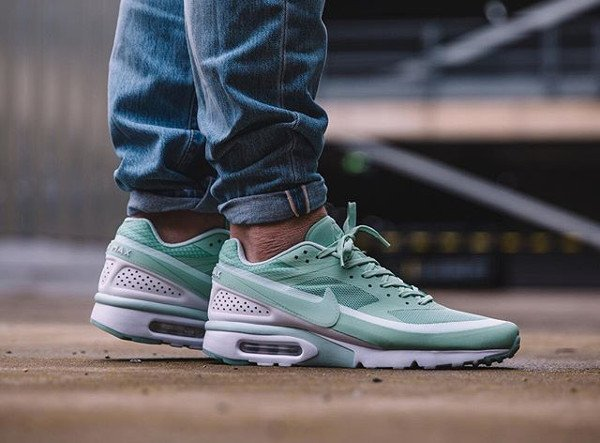 Nike Air Max BW Ultra Enamel Green pas cher (1)
