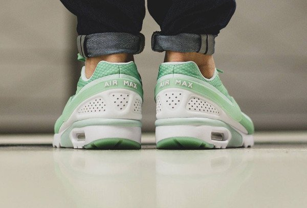 Nike Air Max BW Ultra Enamel Green pas cher (2)