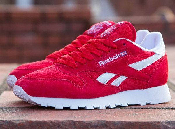 Gros plan sur la Reebok Classic Leather IS Red (Rouge)