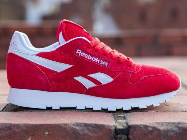 Gros plan sur la Reebok Classic Leather IS Red (Rouge) 59739a31f