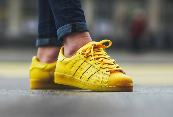 adidas superstar jaune