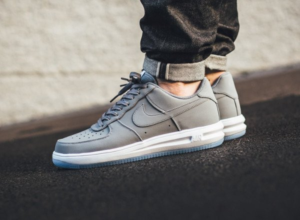 acheter Nike Lunar Force 1 '14 Low Suede Cool Grey Ice pas cher (1)