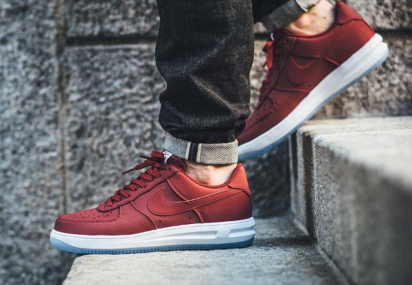 acheter Nike Lunar Force 1 '14 Low Suede Team Red Ice pas cher (2)