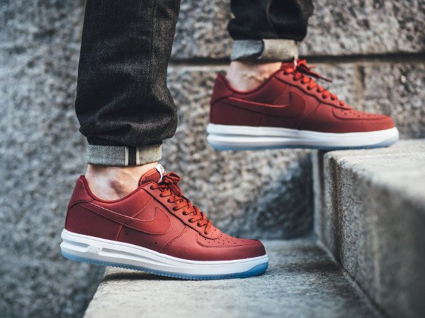 acheter Nike Lunar Force 1 '14 Low Suede Team Red Ice pas cher (3)