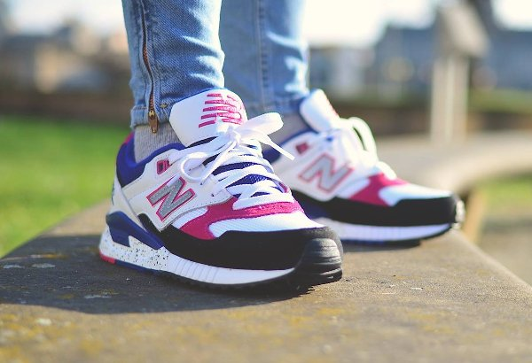 basket New Balance W 530 PSA Carnival Pink 90s Running Leather pas cher (2)