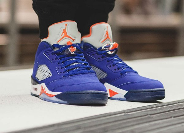 basket Nike Air Jordan V Retro Low Cavs Royal Blue (1)
