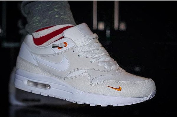 basket Nike Air Max 1 PRM Safari QS Kumquat Mini Swoosh pas cher (3)