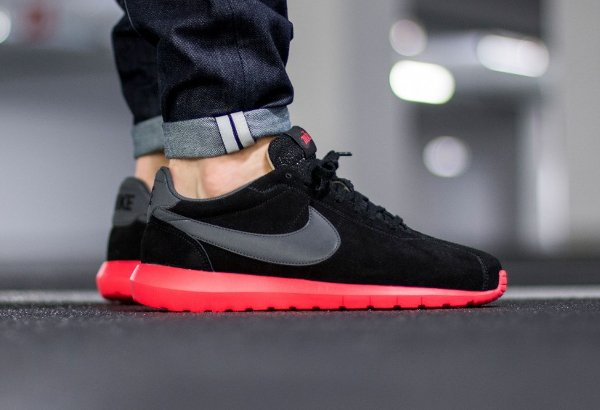 basket Nike Roshe LD 1000 Suede Black Siren Red QS (2)