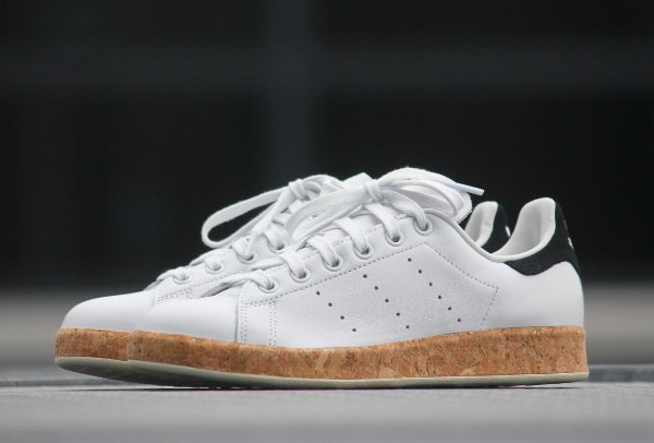 chaussure Adidas Originals Stan Smith Luxe W White Black en liège (femme) (3)