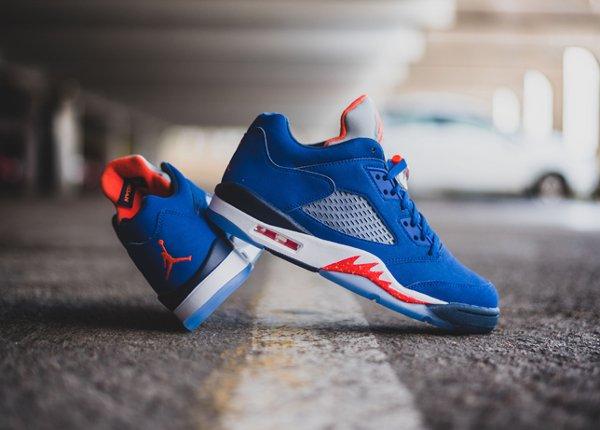 chaussure Air Jordan 5 Retro Low Knicks ou Cavs (3)