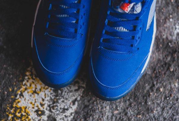 chaussure Air Jordan 5 Retro Low Knicks ou Cavs (4)
