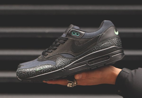 chaussure Nike Air Max 1 Premium Safari Black Bonsai Quickstrike (1)