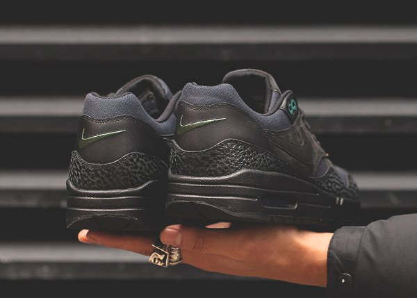 chaussure Nike Air Max 1 Premium Safari Black Bonsai Quickstrike (2)