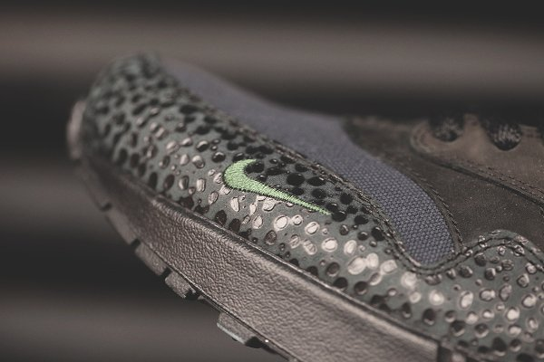 chaussure Nike Air Max 1 Premium Safari Black Bonsai Quickstrike (4)