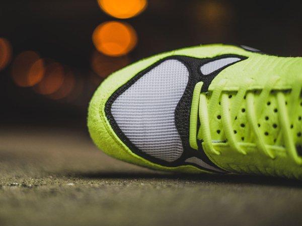 chaussure Nike Air Zoom Talaria OG SP White Volt 2016 (2)