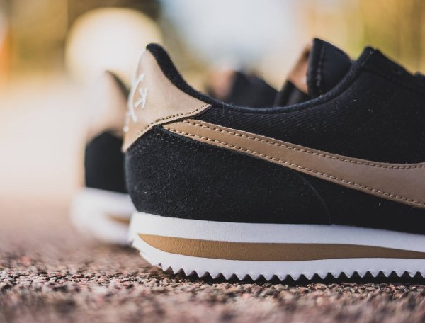 chaussure Nike Cortez Basic Premium Baseball Black Desert Camo quickstrike (5)